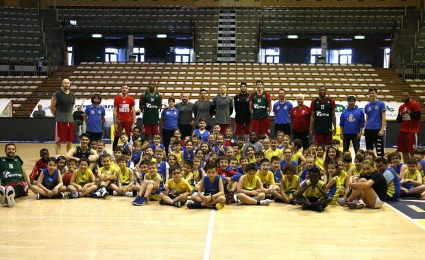 I mini servolani del Svevo Basket in campo con l'Alma